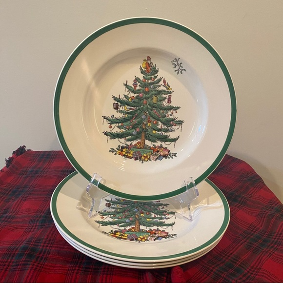 Set of 4 Dinner Plates Christmas Tree Green Trim